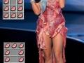 Lady Gaga plays Minecraft